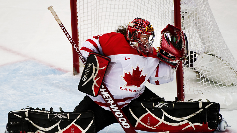 Shannon Szabados gjorde sin debut i herrarnas Southern Professional Hockey League.
