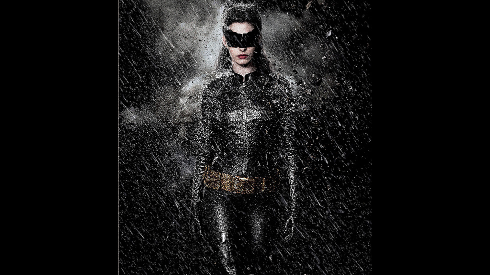 Anne Hathaway som Catwomen i The Dark Knight Rises.