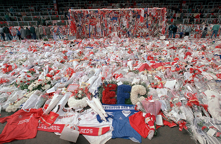 Blommor på Hillsborough den 17 april 1989.