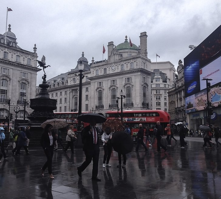Piccadilly Circus i London.
