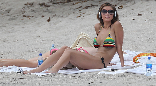 Cameron Diaz, Kim Kardashian, Paparazzi, Beach, Javier Bardem, Holly Madison, Zac Efron, Jennifer Lopez, Strand, Penelope Cruz, Audrina Patridge, The Hills