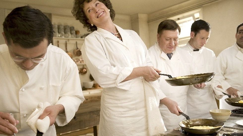 Även som kocken Julia Child briljerar skådespelerskan.